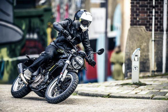 Husqvarnia Motorcyrcles Ficha Tecnica
