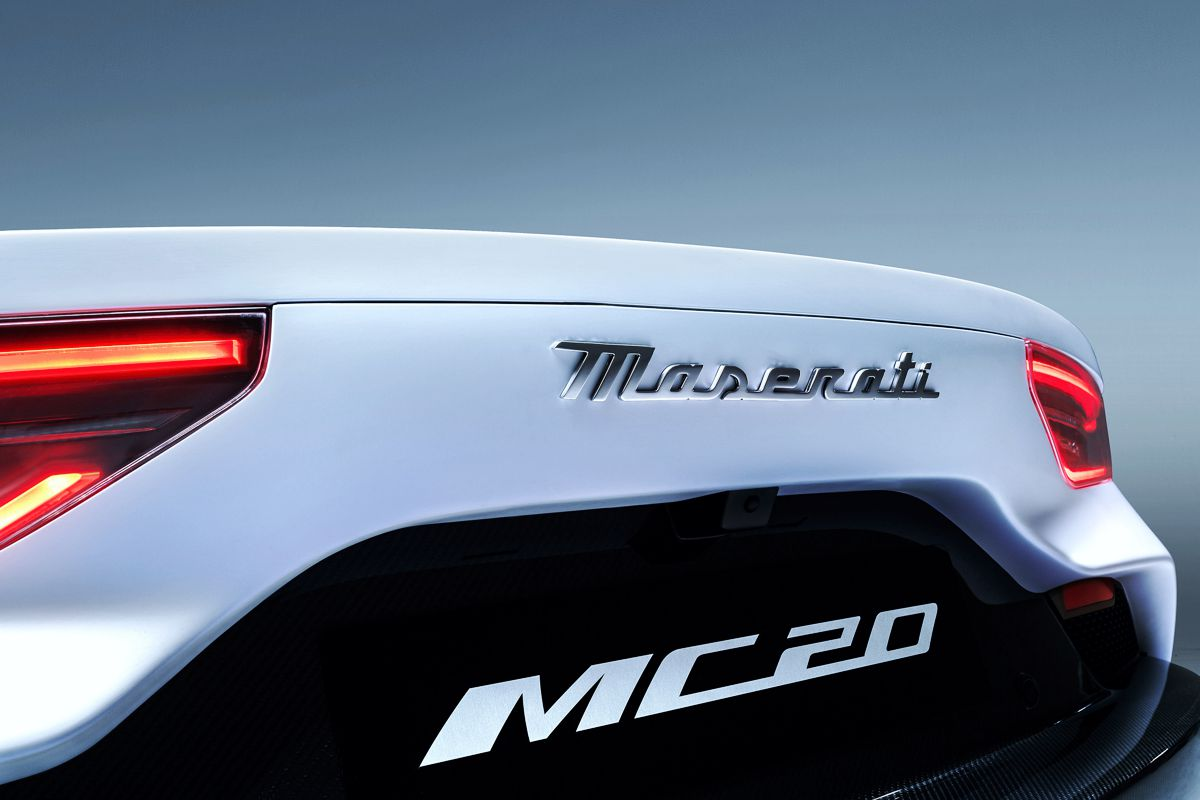 Maserati MC20 imagen de cola