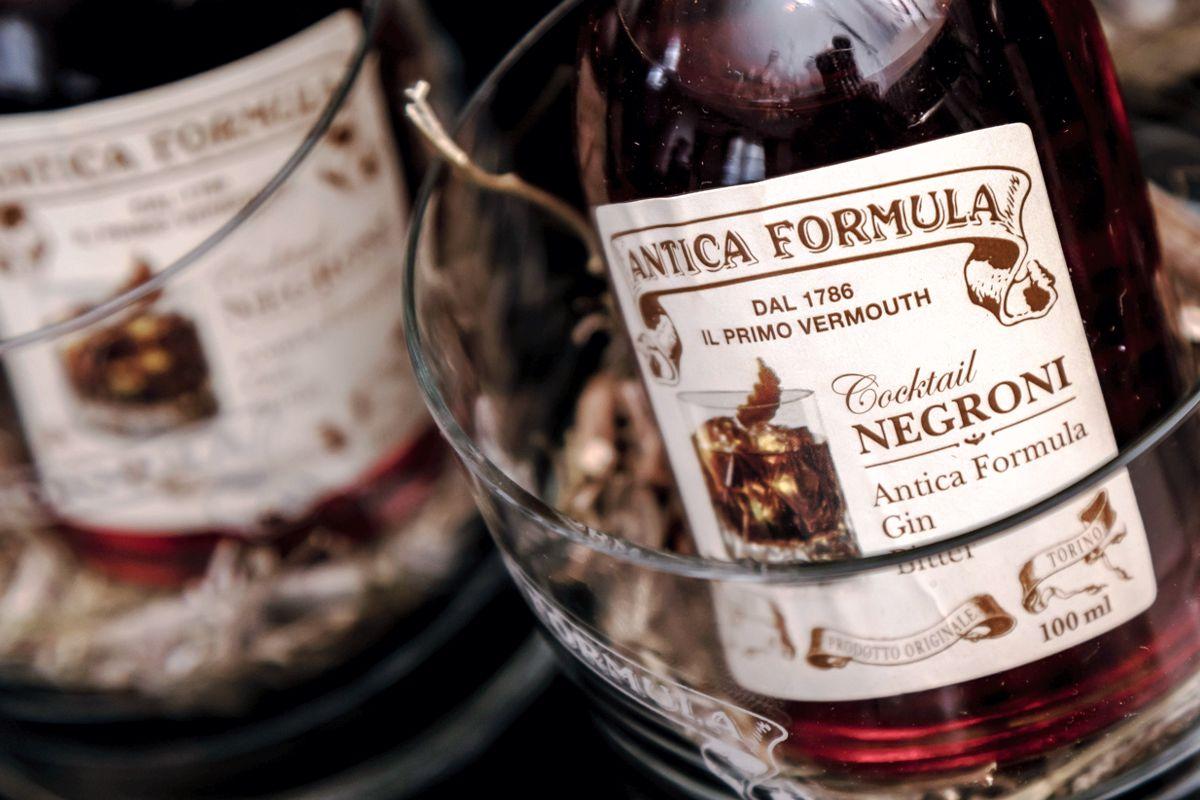 Vermouth Antica Formula cocktail Negroni