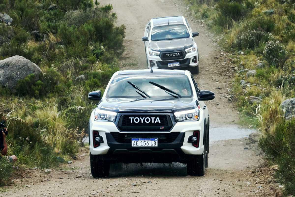 Club Toyota, las Hilux en travesía